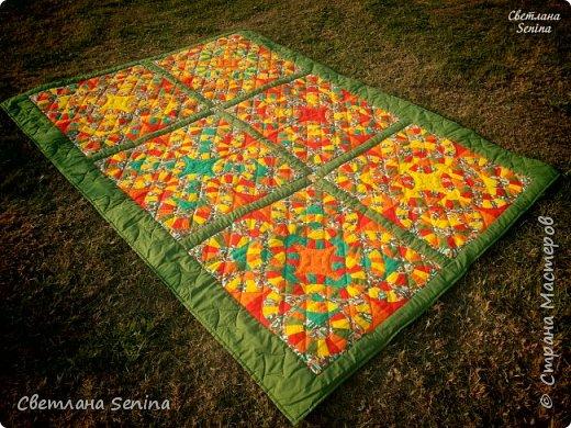 """Первое одеяло, выполненное в технике """"пэчворк"""" (лоскутное шитьё). фото 2"""