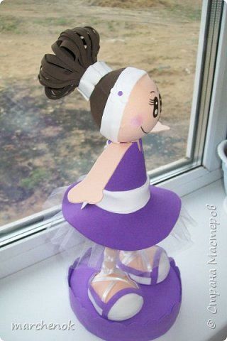 Первая и пока единственная моя куколка из фома, делала просто по картинке, наугад фото 2