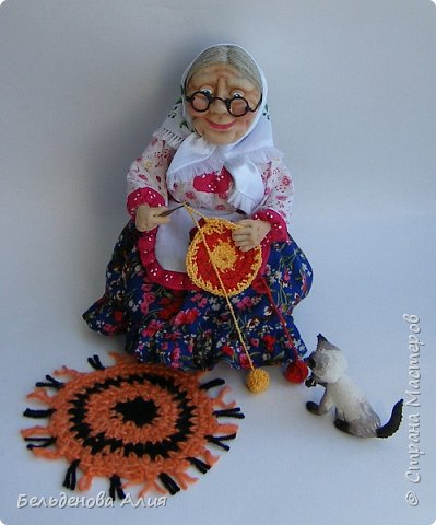 """Очень мне нравится шить наряды куклам, поэтому и сделала такую бабушку. Здесь есть где """"разгуляться"""". фото 2"""