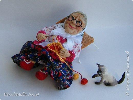 """Очень мне нравится шить наряды куклам, поэтому и сделала такую бабушку. Здесь есть где """"разгуляться"""". фото 3"""