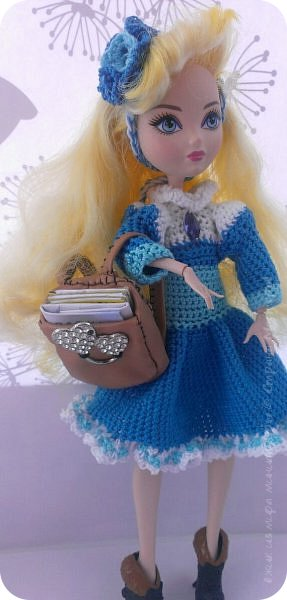 """Здравствуйте Все.  Сегодня я сдаю работу на конкурс  """" Школьные деньки""""     http://stranamasterov.ru/node/1042660   Её представляет Алиса она переходит в этом году в 5 класс.  фото 2"""