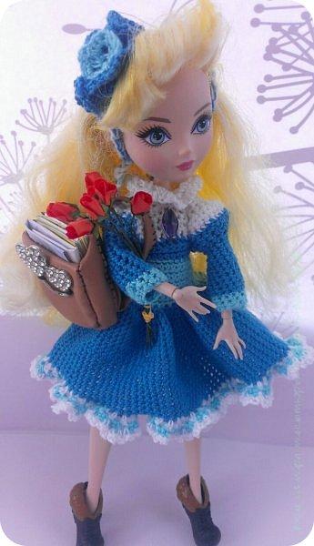 """Здравствуйте Все.  Сегодня я сдаю работу на конкурс  """" Школьные деньки""""     http://stranamasterov.ru/node/1042660   Её представляет Алиса она переходит в этом году в 5 класс.  фото 1"""