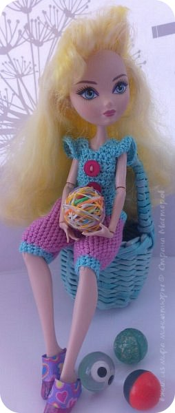 """Здравствуйте Все.  Сегодня я сдаю работу на конкурс  """" Школьные деньки""""     http://stranamasterov.ru/node/1042660   Её представляет Алиса она переходит в этом году в 5 класс.  фото 9"""