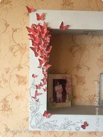 Украсила нишу на стене дома)) Подумала, что как-то скучно выглядит и вот теперь у нас всегда весна и бабочки)))