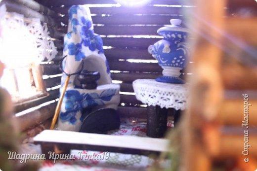 Здравствуйте, дорогие жители Страны Мастеров! Хочу вам показать фото, какие красавицы Бабулечки Ягулечки живут в избушках, которые я делала на заказ: https://stranamasterov.ru/node/1008562 , https://stranamasterov.ru/node/1013013. Фотографии моей заказчицы Анны, спасибо ей огромное за предоставленный фотоотчет!!!  Первая избушка с пенечком была сделана, вот для такой шикарной Бабы Яги-мечтательницы с ромашкой (автором всех Бабулек Ягулек является Елена Романцева).  фото 4