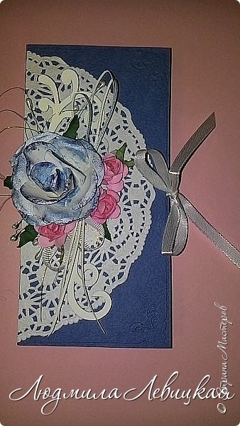 """Здравствуйте, всем заглянувшим! Придумалось у меня еще три шоколадницы... Первая: основа- бумага для акварели, верх-бумага для скрапбукинга """"Пастель"""" (200 гр./м плотностью; красивого голубого цвета, который на фото не хочет передаваться), цветочки и листочки самодельные. фото 10"""