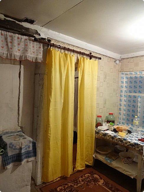 Вот моя Избушка на курьих ножках. Ну по сравнению с тем, что было - просто терем (http://stranamasterov.ru/node/1046199) Я разобрала завал перед домом и выяснила, что там есть газовая труба. Но выяснилось, что газ мне не подключат, т.к. нет акта от пожарной инспекции, а те сказали, что не дадут мне акт т.к. мой домик хобитов действительно аварийно опасен. фото 5
