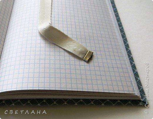 Буквально  на  одном  дыхании  сделала  этот  блокнотик  А5  для  себя -  бюджетный  вариант,  из  всяких  остатков,  но  получился  довольно  милый... фото 6