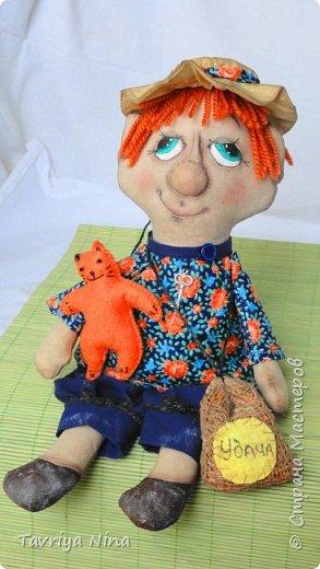 Текстильная кукла,тонирована кофе с корицей.Лицо расписано акриловыли красками,утяжка.Волосы - шерсть. фото 2