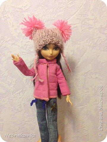 """Всем привеееет! Хочу поблагодарить всех, кто поделился мастер-классами  и вдохновил на создание этой коллекции. На днях я побывала в гостях у своей крестной дочки Алины и она познакомила меня со своими куклами. Они мне очень понравились и очень захотелось обновить им гардероб. В моем детстве таких красоток не было. Куклы """"Барби"""" только начинали свое существование. И помню с каким удовольствием я придумывала им детали интерьера и шила новые наряды. Честно говоря, очень захотелось вновь окунуться в детство и заодно порадовать свою крестницу. Очень меня это увлекло - результат отдаю Вам на - """"суд"""" - модный суд фото 4"""