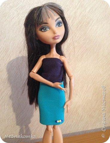 """Всем привеееет! Хочу поблагодарить всех, кто поделился мастер-классами  и вдохновил на создание этой коллекции. На днях я побывала в гостях у своей крестной дочки Алины и она познакомила меня со своими куклами. Они мне очень понравились и очень захотелось обновить им гардероб. В моем детстве таких красоток не было. Куклы """"Барби"""" только начинали свое существование. И помню с каким удовольствием я придумывала им детали интерьера и шила новые наряды. Честно говоря, очень захотелось вновь окунуться в детство и заодно порадовать свою крестницу. Очень меня это увлекло - результат отдаю Вам на - """"суд"""" - модный суд фото 1"""