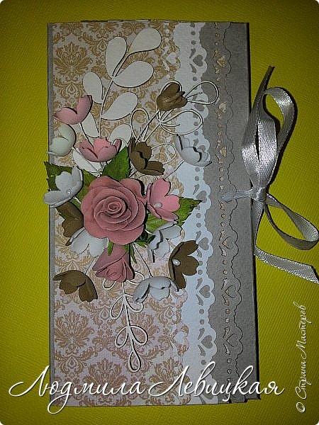 """Здравствуйте, всем заглянувшим! Придумалось у меня еще три шоколадницы... Первая: основа- бумага для акварели, верх-бумага для скрапбукинга """"Пастель"""" (200 гр./м плотностью; красивого голубого цвета, который на фото не хочет передаваться), цветочки и листочки самодельные. фото 11"""