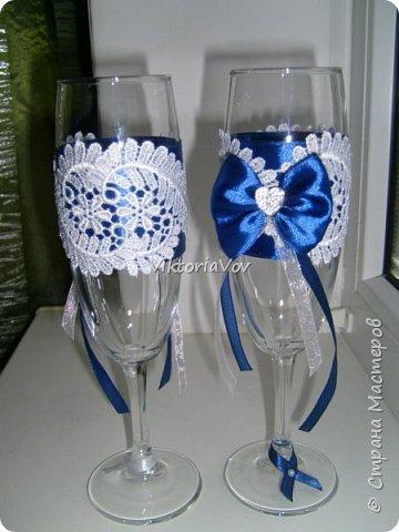 Всем привет!  Я снова на связи.  Хочу показать две пары бокалов, в принципе они между собой очень похожи. Синие заказала невеста, положившись полностью на мой вкус. фото 2