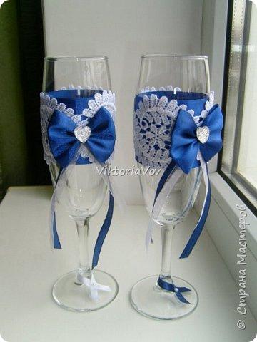 Всем привет!  Я снова на связи.  Хочу показать две пары бокалов, в принципе они между собой очень похожи. Синие заказала невеста, положившись полностью на мой вкус. фото 1