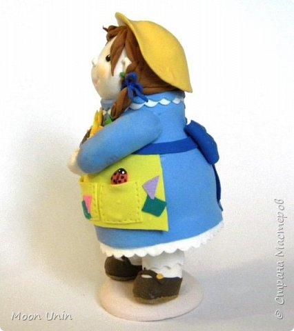 Куколка-толстушка из полимерной глины Modena на основе лампочки.  фото 3