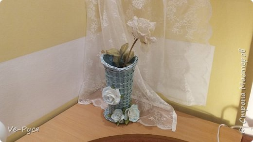 Ваза для цветов.... Украшена цветами из фоамирана..  фото 4