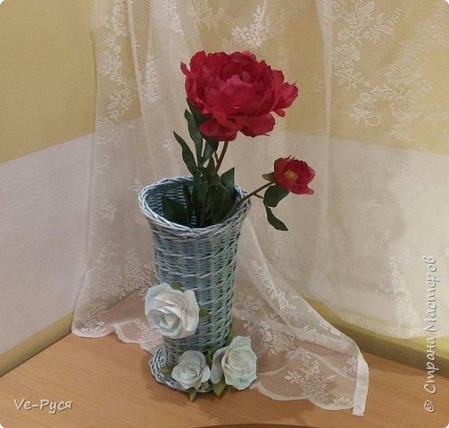 Ваза для цветов.... Украшена цветами из фоамирана..  фото 3