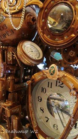 Таймпанк (англ. timepunk) — поджанр научной фантастики, моделирующий мир стоящий на каком-то ином технологическом уровне, что подразумевает иные законы социума. фото 12