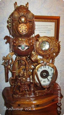Таймпанк (англ. timepunk) — поджанр научной фантастики, моделирующий мир стоящий на каком-то ином технологическом уровне, что подразумевает иные законы социума. фото 17