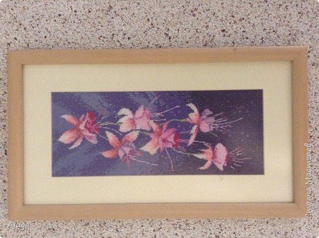 Сегодня покажу картины с цветочными мотивами.Первая- подсолнухи.К сожалению фото загружаются ,, лёжа,,, а у меня они висят вертикально. фото 10