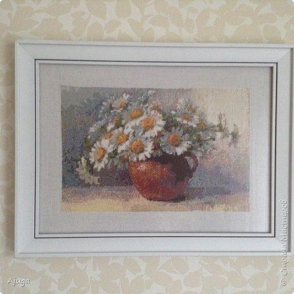Сегодня покажу картины с цветочными мотивами.Первая- подсолнухи.К сожалению фото загружаются ,, лёжа,,, а у меня они висят вертикально. фото 11