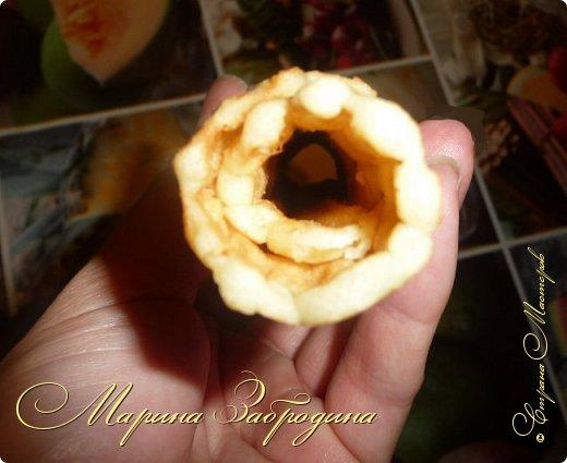 Здравствуйте! Сегодня пишу рецепт домашних вафельных трубочек. Готовить буду на старой советской вафельнице. На ней пекла вафли моя мама, когда я была еще маленькой. Рецепт очень простой. На все приготовление уходит меньше 30 минут.  фото 13