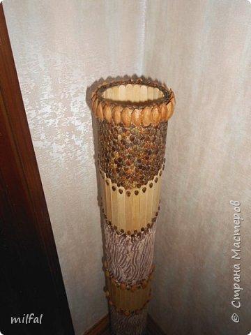 Ваза в стиле этно из бросового материала. Использовала картонную трубу,палочки для мороженного,арбузные и сливовые косточки,шпаклёвку ,клей,лак. фото 8
