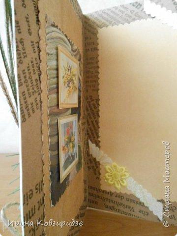 Три открытки на основе акварельной бумаги, обоев, крафт бумаги. Украшена перьями павлина, искусствен. цветком(середина из кусочка пробки). фото 6