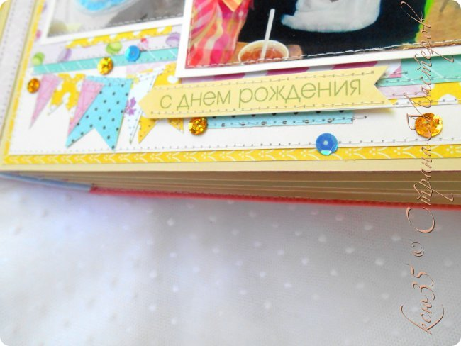 вот такой альбомчик делала не так давно смоей родной подружке!!точнее ее доченьке в подарок на день рожденье!!!) и самое главное чем могу я гордиться так сказать)) это работа по скетчам..я наконец это сделала!!очень понравилось работать с ними ..теперь и себе хочу)в этом альбоме есть еще одна фишка!! делала я из обрезков!!)точнее там получалось так что кроила белый лист для черчения..дальше каемку из скрап листа..и дальше вырезала и прошивала серединку!!вот такая изюминка альбома))надеюсь понятно обьяснила..внизу много фоток а так же есть видео обзор) фото 18