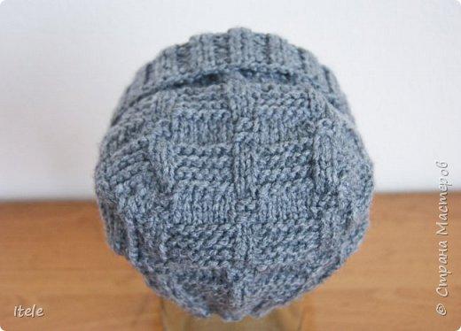 Связала вот такую шапочку для новорожденного. Моя первая вязанная вещь ! Связана по видио-уроку, любезно выложенному Виорикой на Ютюбе. Если кому-то интересно, то вот ссылка на урок - https://www.youtube.com/watch?v=vEkxlB-1LFc.    фото 4