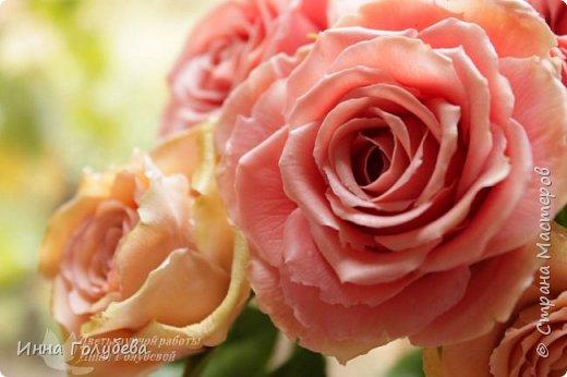 """Девочки,привет! Заказали мне вот такие розы кораллового цвета. Как я получила такой цвет,я покажу и расскажу) А еще сегодня планирую выложить мастер- класс по половинке лимона- апельсина( почти дофоткала). Не пропустите,так как он попадает в раздел """" Поделка,изделие"""" и высвечиваться в данном разделе не будет) фото 4"""