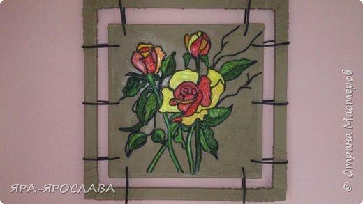 Картина из кожи.Размером 55х55см.Идею позаимствовала у АНКОРА.Моя роза не похожа на его картину.Он великий художник.А я только попыталась приблизить свою розу к его творению.