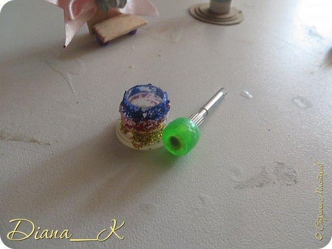 -вот такая вазочка из пуговок, бусинок,блесток и милой штуковины из бантика фото 5
