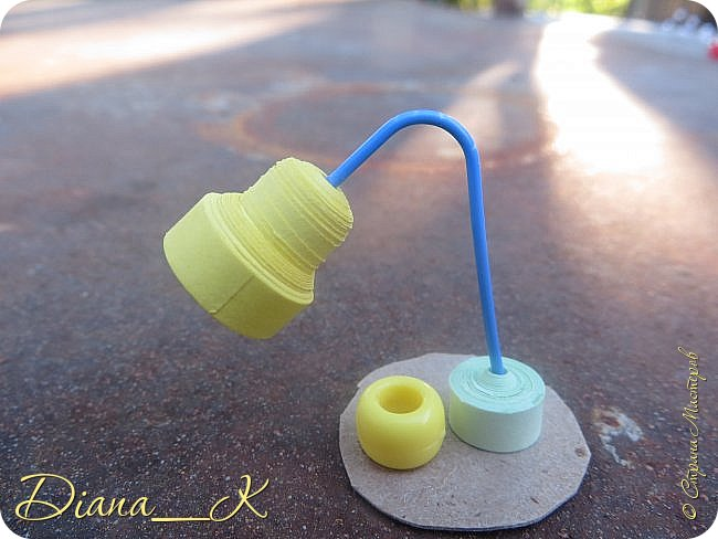 -вот такая вазочка из пуговок, бусинок,блесток и милой штуковины из бантика фото 7