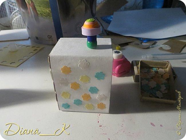 -вот такая вазочка из пуговок, бусинок,блесток и милой штуковины из бантика фото 10