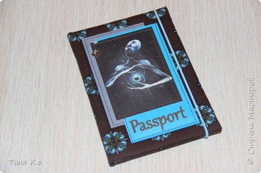 Всем привет! Сегодня покажу обложки для паспорта, автодокументов и школьного дневника)  Обложки на паспорт и автодокументы заказала мне девушка. Картинки выбирала она сама.Ткань мы тоже с ней обговаривали. Это обложка на автодокументы. фото 3