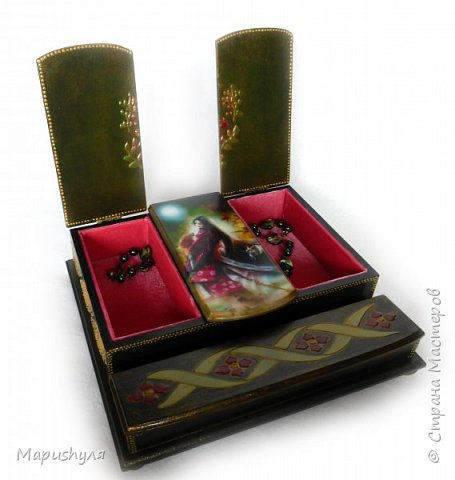 """Здравствуйте!  Покажу сегодня две шкатулки. Когда получила заготовки, почему-то сразу захотелось сделать их в японском стиле.Веера, сакура, иероглифы , фонарики.... Очень долго подбирала картинки и ,наконец, остановилась на картинках японского художника Shu Mizoguchi.   Первую назвала """"Гейша"""". фото 20"""