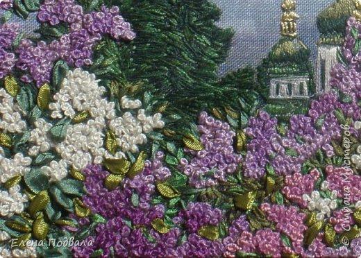 Моя новая вышивка, которую я вышила за 7 дней (по 2-3 часа), используя остаток отпуска.... Вид на Выдубецкий собор-монастырь в Киеве с Ботанического сада. Нитки, шелковые ленты. Размер 210*150 мм, рамка, стекло. фото 5