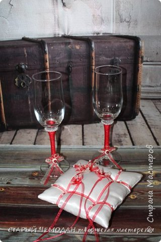 бутылки и бокалы для красной свадьбы фото 5