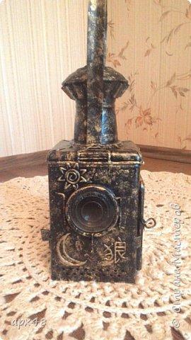 """Дочка нашла в деревне старый железнодорожный фонарь! Долго думали как его украсить! Попробовала в технике """"пейп-арт"""" - вот что получилось! фото 4"""