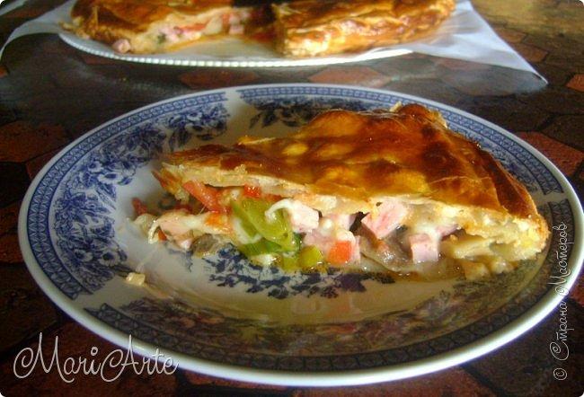 Здравствуйте всем, кто заглянул в гости!!  Хочу предложить вам быстрый рецепт пирога из слоёного теста, с грибами и ветчиной фото 3