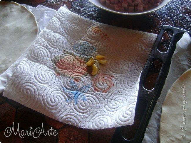 Здравствуйте всем, кто заглянул в гости!!  Хочу предложить вам быстрый рецепт пирога из слоёного теста, с грибами и ветчиной фото 8