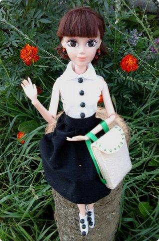 """Доброе время суток! Сегодня я сдаю работу на конкурс """" Школьные деньки"""" Её представляет Алиса. Она переходит в этом году в 8 класс. http://stranamasterov.ru/node/1042660 фото 1"""