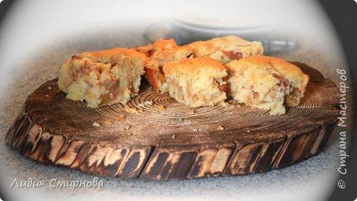На фото яблочно-персиковый пирог и в качестве соуса к нему просто взбила творог с большим количеством сметаны (+сахар и ванилин) Пирог пекла в качестве эксперимента для персиков, которые в этом году я заготовила в виде порезанных кусочков и порционно замороженных в морозилке. После разморозки персики отдаленно походят на консервированные. Яблоки были свежие. А вобще я обычно этот пирог пеку с начинкой из ягод (чем кислее - тем лучше)) Но на самом деле...Конечно же))) Я опять, в очередной раз, и еще много-много раз буду любоваться на свои брашированные досочки))  фото 3