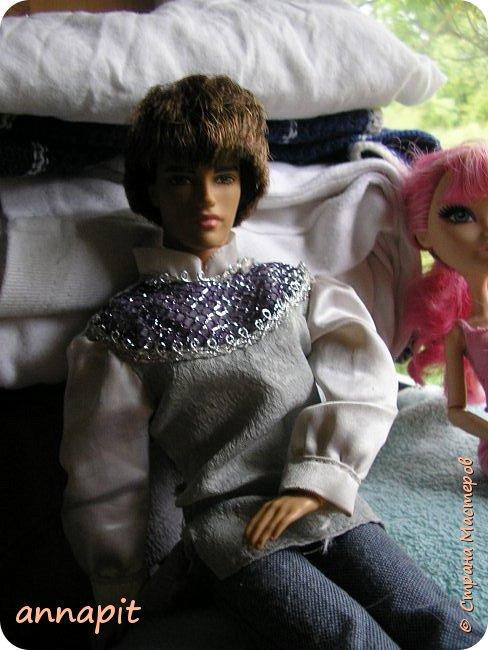 Привет, я Спектра и сегодня пока Ани нету я вас познакомлю с некоторыми кукло-жителями.Аня мне сшила этот домашний комплект. Это я. Биография Имя: Спектра Вондергейст Возраст: 17 лет Учится с Лучшими подругами Сериз и Рози.  фото 10