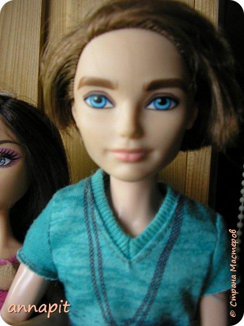 Привет, я Спектра и сегодня пока Ани нету я вас познакомлю с некоторыми кукло-жителями.Аня мне сшила этот домашний комплект. Это я. Биография Имя: Спектра Вондергейст Возраст: 17 лет Учится с Лучшими подругами Сериз и Рози.  фото 13
