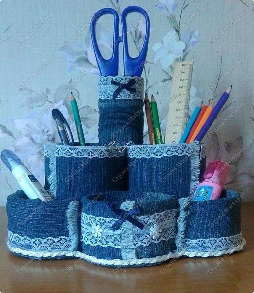 Здравствуйте,жители СМ! Вот такой джинсовый органайзер я сделала дочке к первому сентябрю ,Давно хотелось сотворить что то из старых джинс. Большое спасибо, Евгении за вдохновение и МК http://stranamasterov.ru/node/588945 ! фото 1