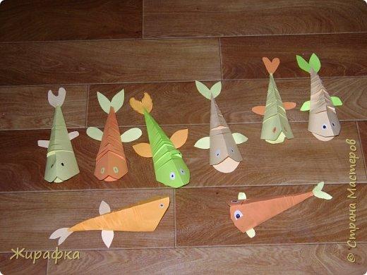 Зелёная рыбка моя. Обратите внимание на то, как дети импровизировали с ротиком рыбок. А Даша ещё и с глазами. фото 1