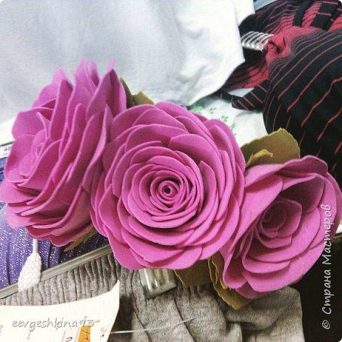 Заколка-автомат с розами из фоамирана фото 13