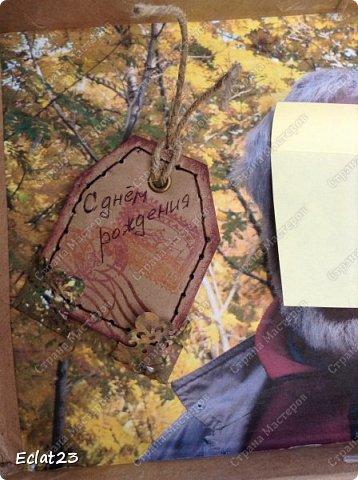 Еще одна маленькая работа в скрапе.  Для ее оформления использованы фотографии именинника, отражающие его разные увлечения (рыбалка, лыжы и т.п.) и фото северных сияний. фото 4